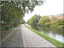 SJ9400 : Canal Side View by Gordon Griffiths