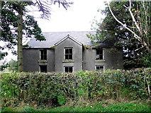 H5472 : Derelict farmhouse, Bracky by Kenneth  Allen