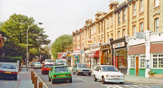 Putney, 1990: westward on Upper Richmond Road