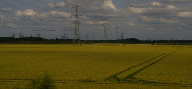 Pylons and fields north of Arksey