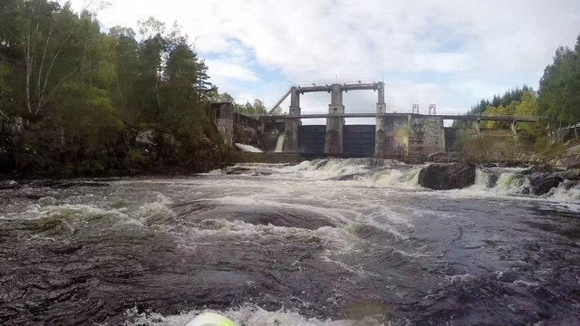 Dunalastair dam from the Upper Tummel put-in