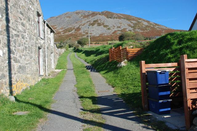 Llwybr i Garn Fadryn - Path to Carn Fadryn
