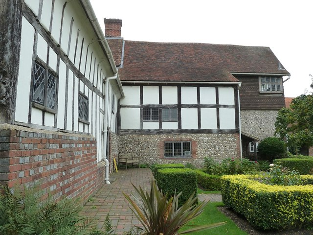 Lewes - Anne of Cleves' House - Garden side