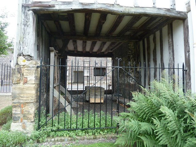 Lewes - Anne of Cleves' House - Passage