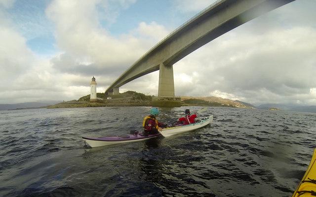 Contact tow beneath the Skye Bridge