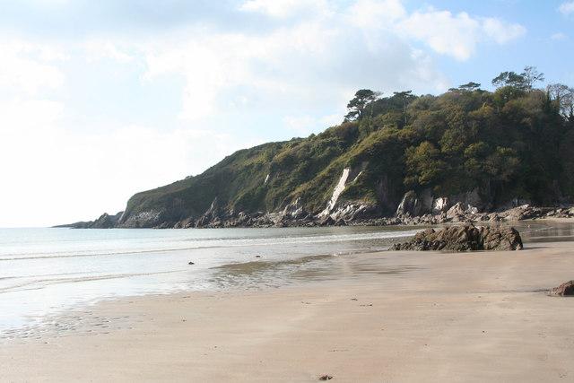 Meadowsfoot Beach: towards The Grove