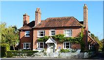 SU4773 : Former public house, Chieveley, Berkshire by Oswald Bertram