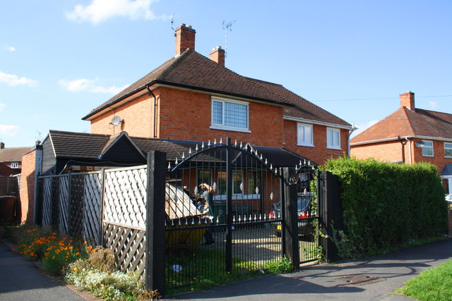 #91 Manor Road with outbuilding
