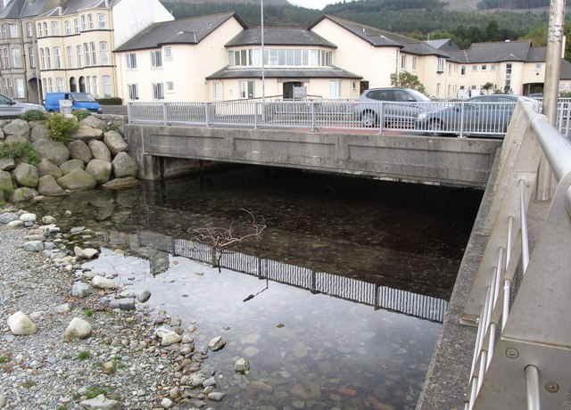 The A2 bridge over the Glen River