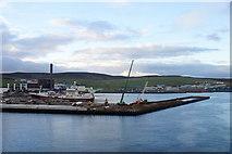 HU4642 : New pier being built at Holmsgarth, Lerwick by Mike Pennington