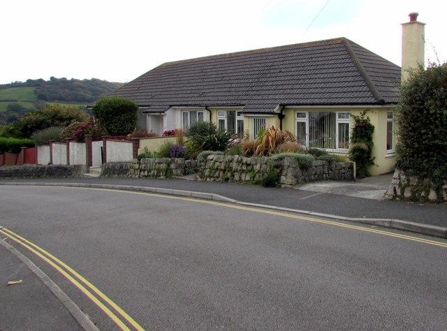 Semi-detached bungalows, Penryn