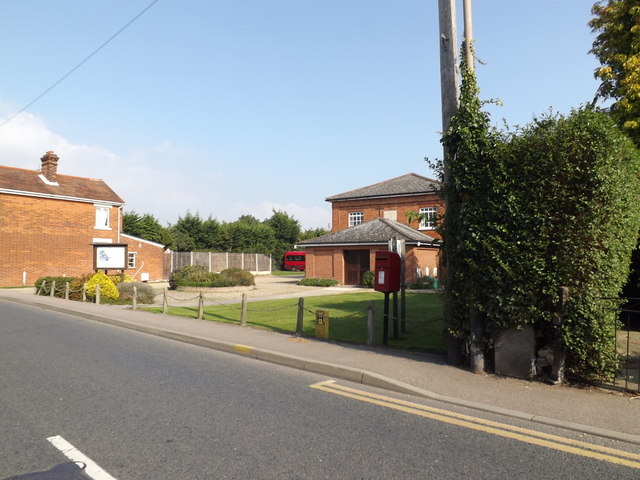 Mill Road Postbox & West Mersea Free Church