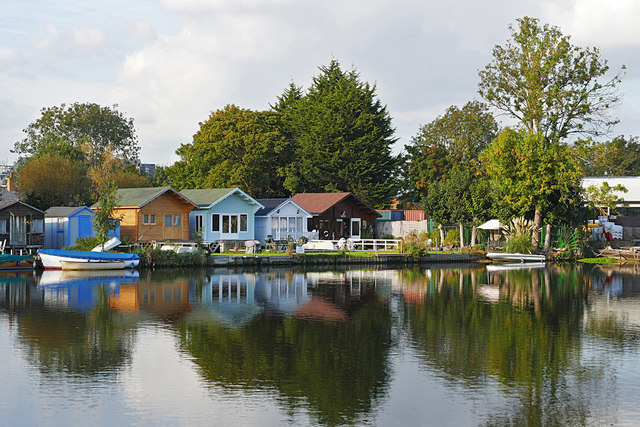 Chalets by the Thames
