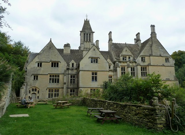 Woodchester Mansion - walled picnic area