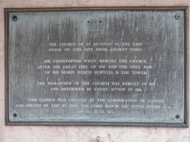 Photo of Christopher Wren grey plaque
