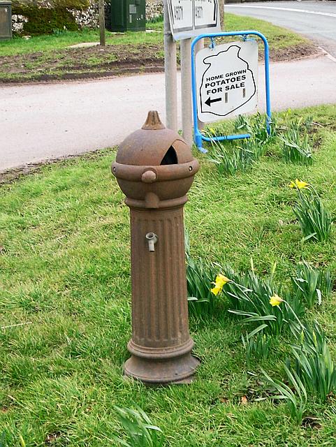 Old water pillar, Newtown