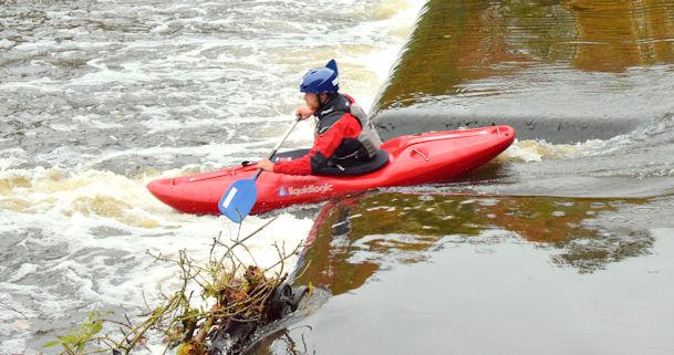 Kayaking, Shaw's Bridge, Belfast -    © Albert Bridge cc-by