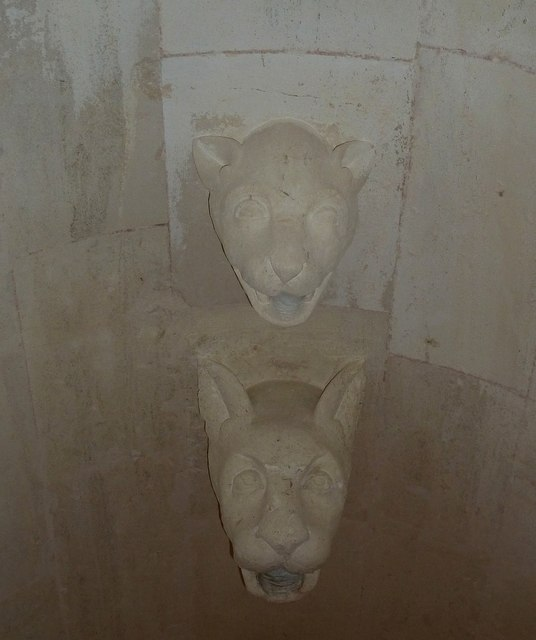 """Woodchester Mansion - """"Shower"""" - Cat's Head Fittings"""