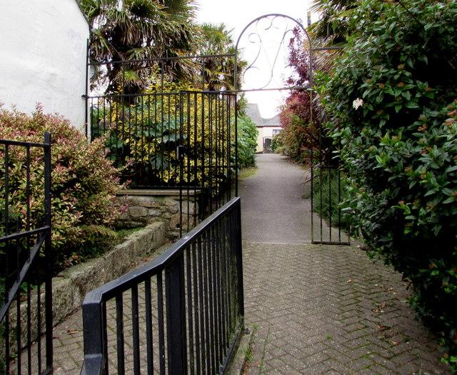 Entrance to Audierne, Penryn