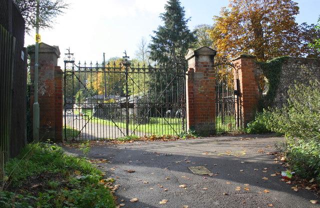 Church Street entrance gates to Henley Trinity School