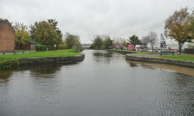 Narrows on the Selby Canal, south of the swingbridge