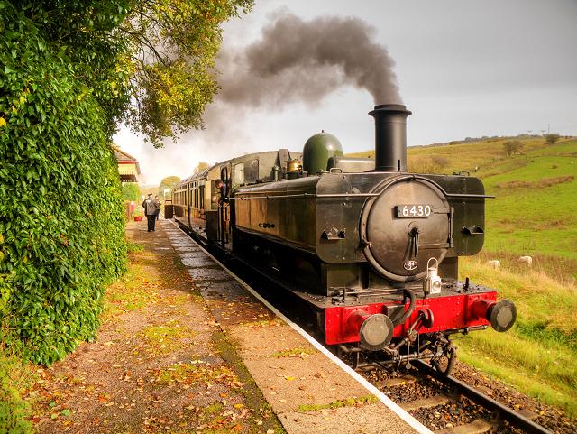 Ex-GWR Steam Locomotive at Irwell Vale Halt