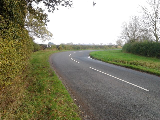 Sharp bend in Cycle Route 52