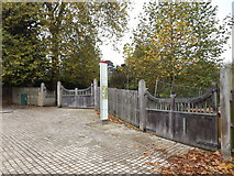 TM1644 : Entrance to Christchurch Park by Adrian Cable
