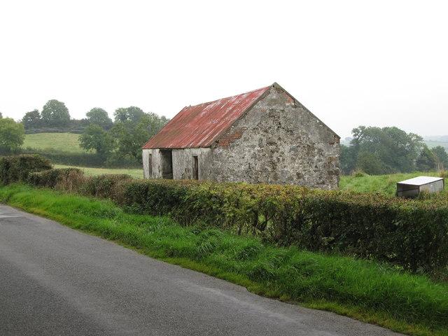 Field barn alongside Begny Hill Road
