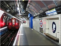 TQ2879 : Victoria tube station, Victoria Line by Mike Quinn
