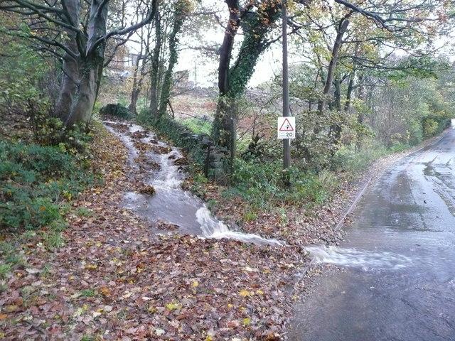 Stream flow on Wood End Lane at Branch Road, Greetland