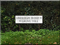 TM0431 : Roadsign on the B1029 Grove Hill by Adrian Cable