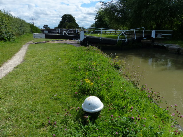 Buckby Lock No 10 on the Grand Union Canal