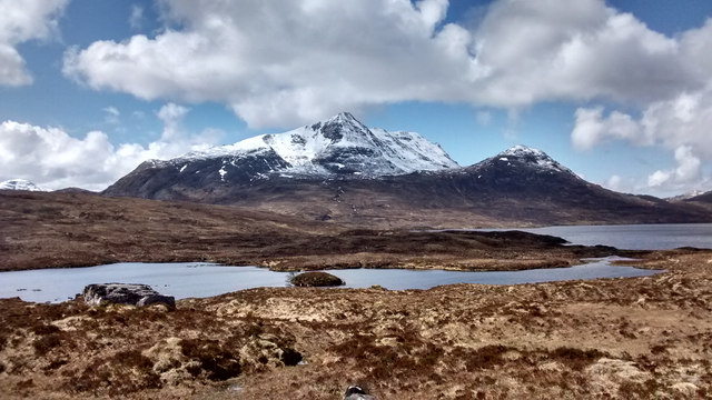 Slioch from the path by Loch an Sgeireach