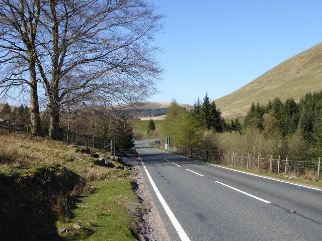 Cattle grid on the A4059 near Beacons Reservoir