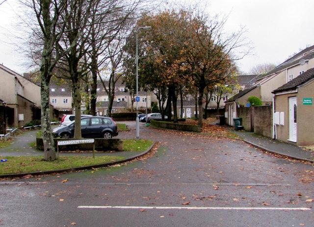 Glastonbury Close, Newport by Jaggery