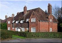 TQ2688 : Houses, Emmott Close, Hampstead Garden Suburb by Jim Osley