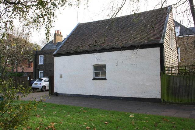 Outbuilding at St Raphael's House, Mattock Lane