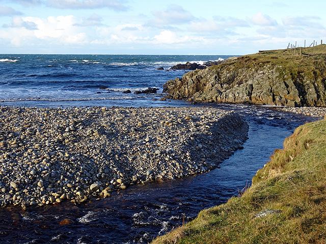 Abhainn Bhuirgh flows into the sea
