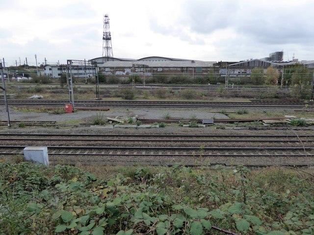 Railway lines passing Willesden Junction station