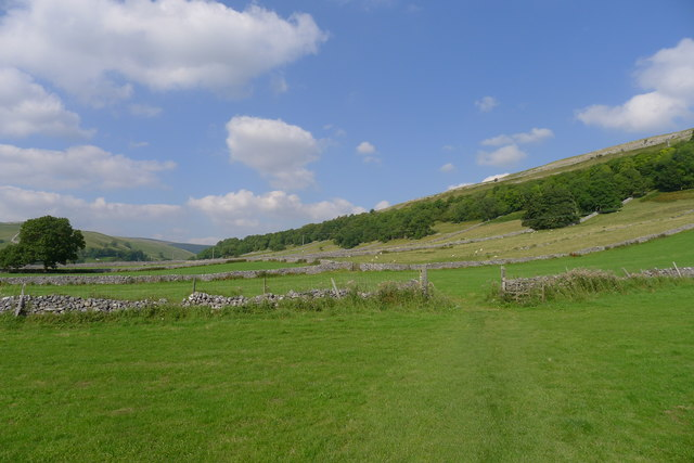 Crossing fields in Wharfedale on the way to Kettlewell