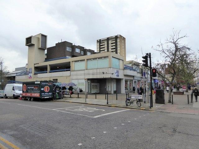 Concrete block architecture, Brondesbury Road