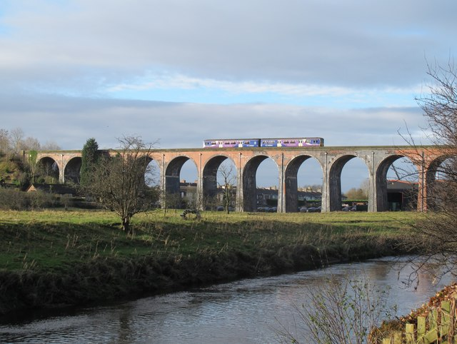 Whalley Viaduct with Sprinter train