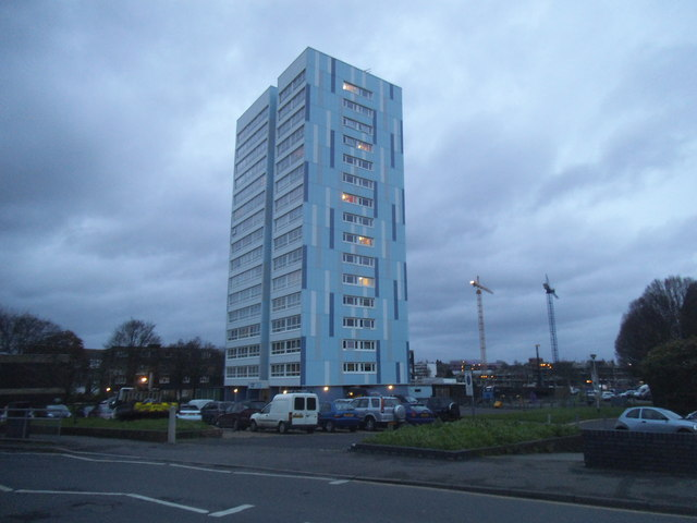 Tower block by Collingwood Road, Sutton