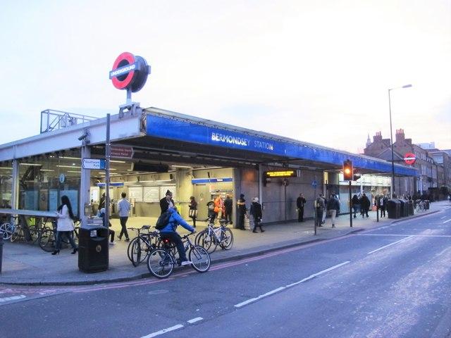 Bermondsey tube station - entrance