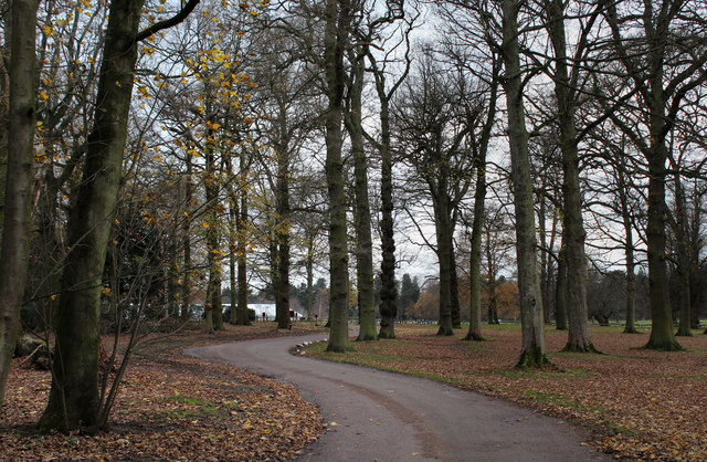 Approaching the Car Park at Tatton Hall