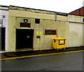 ST2995 : Yellow bin for mixed dry recycling, Cwmbran by Jaggery