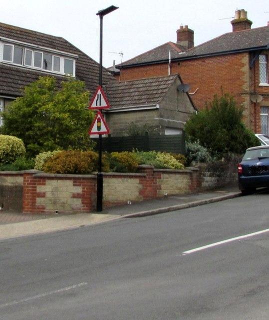 Warning signs, Ashey Road, Swanmore