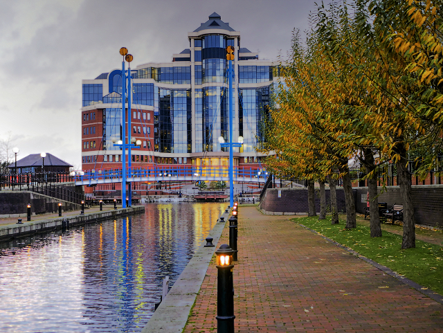 Salford Quays, Mariners Canal and The Victoria Building