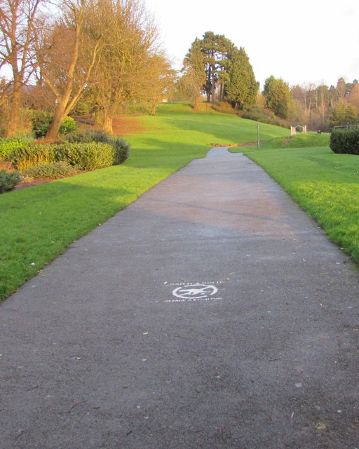 Path from the southern entrance to Beechwood Park, Newport